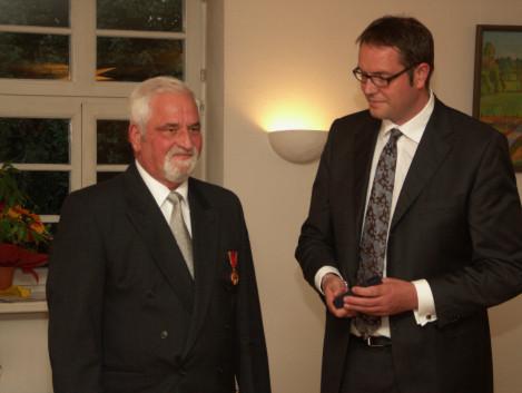 Bundesverdienstkreuz für Egon Schuster